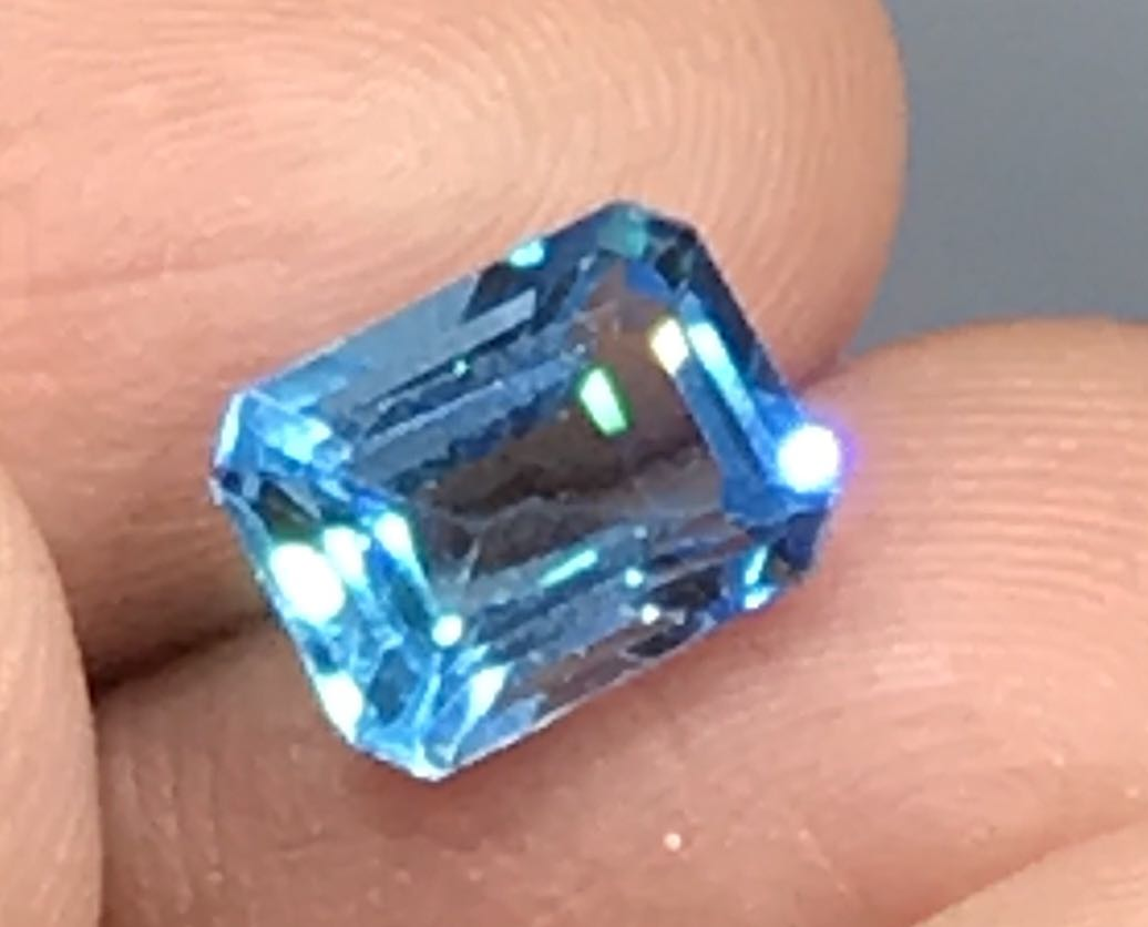 2 86 cts Blue Topaz Natural Untreated 6 8 x 8 9 mm Octagon