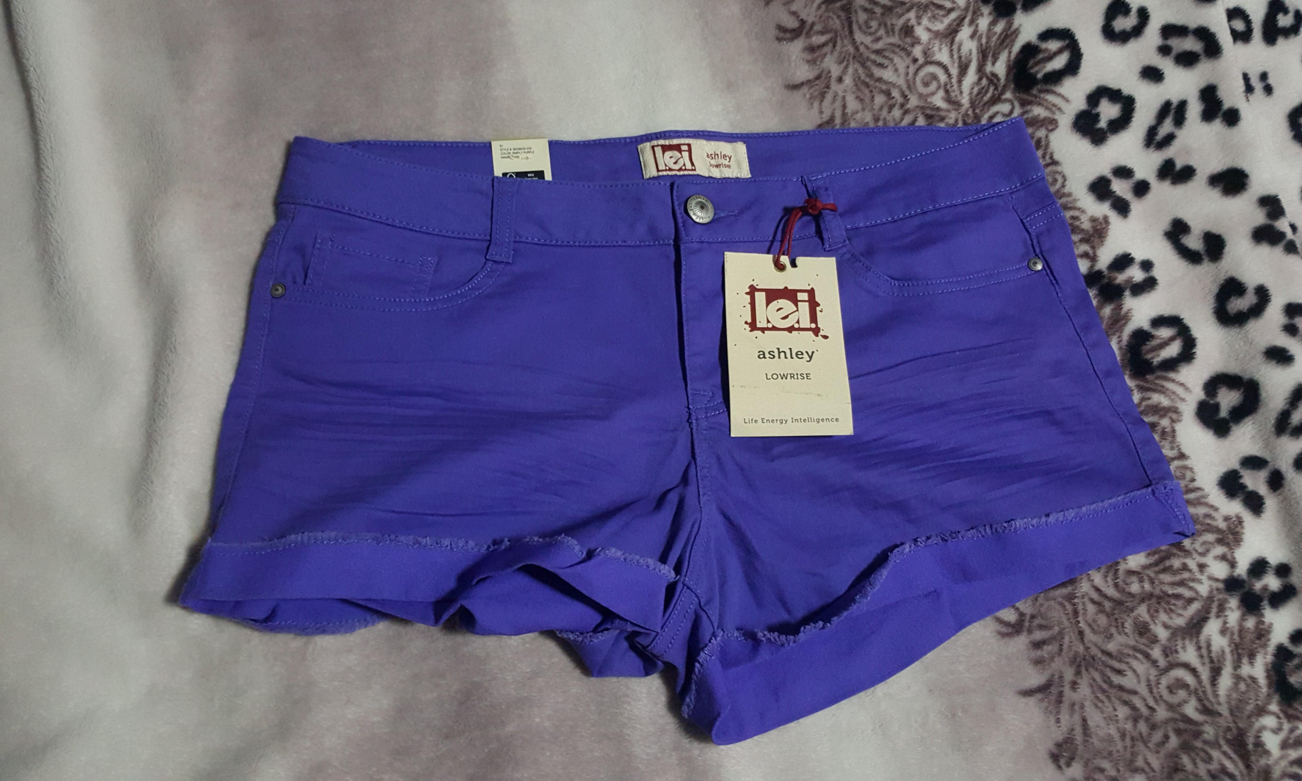568641c7ab1d4 BNWT Lei Plus Size Lowwrise Purple Shorts 💕