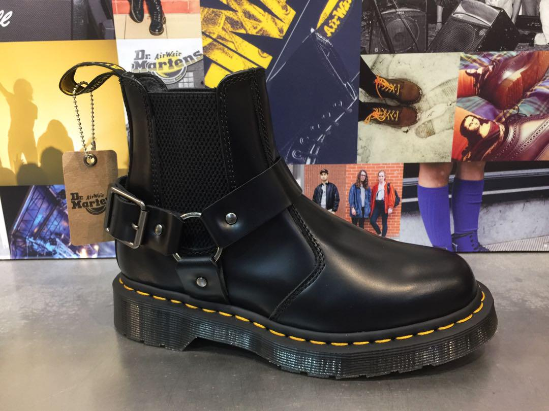 size 40 ever popular details for Dr Martens Wincox, Women's Fashion, Women's Shoes on Carousell