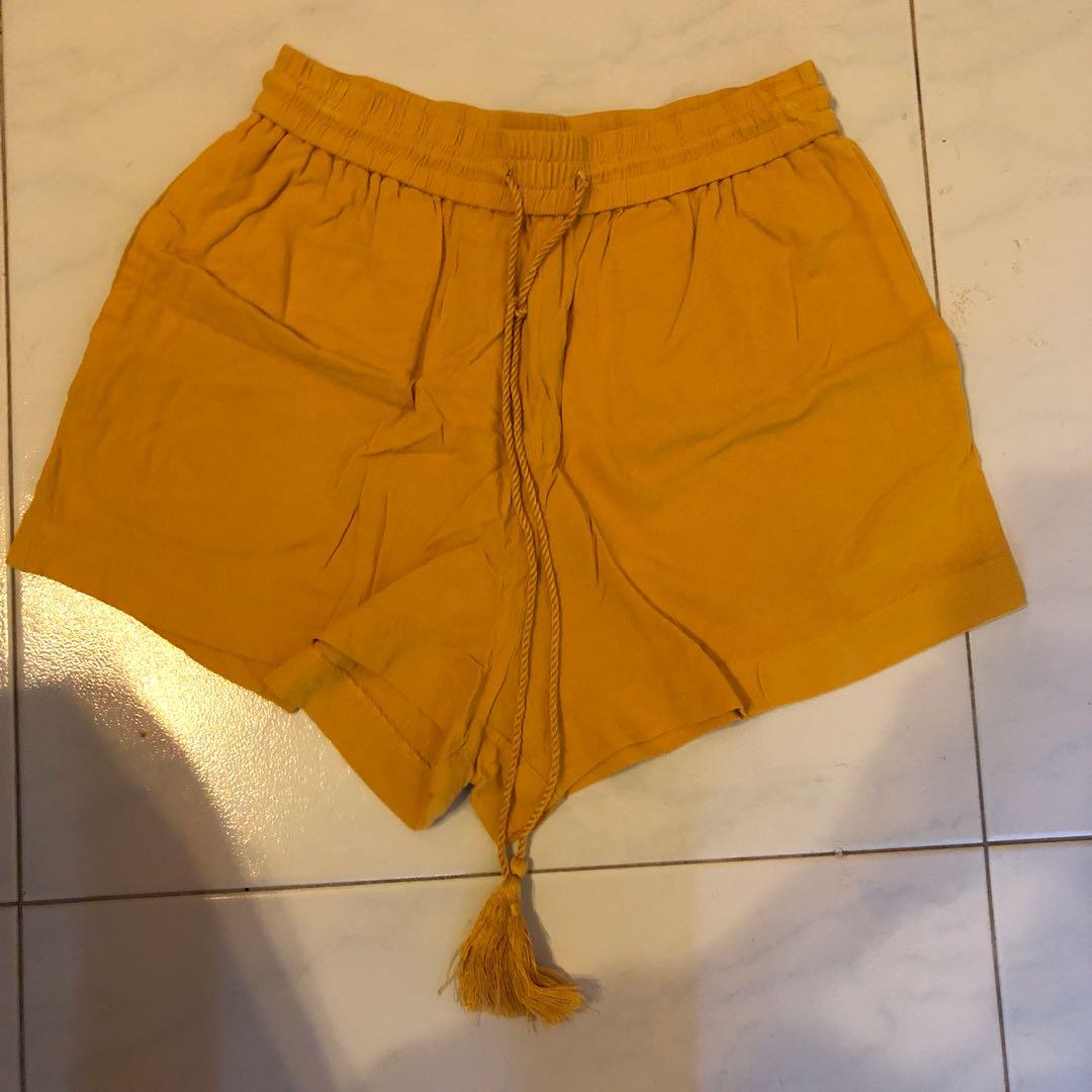 d34b974400 H&M MUSTARD DRAWSTRING SHORTS, Women's Fashion, Clothes, Pants ...