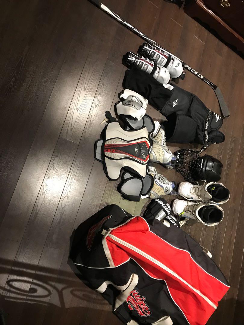 JR. HOCKEY GEAR + SKATES + BAG