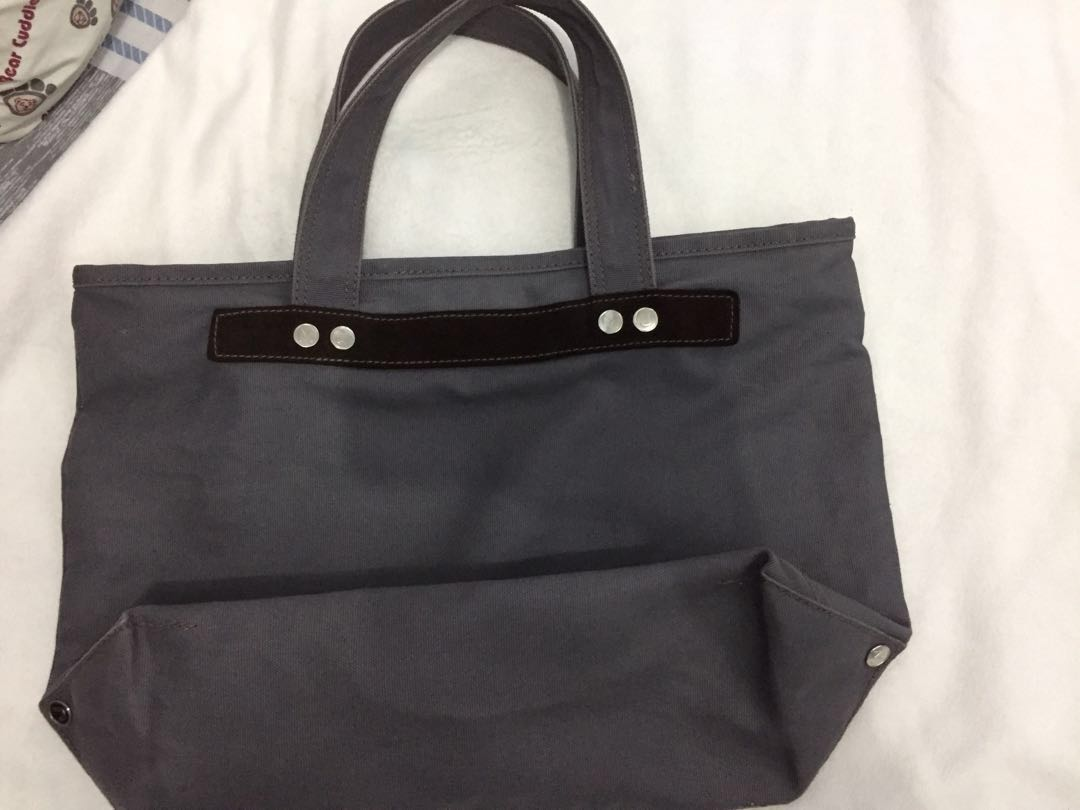 fed8d58b92f Marc jacobs tote, Women's Fashion, Bags & Wallets on Carousell