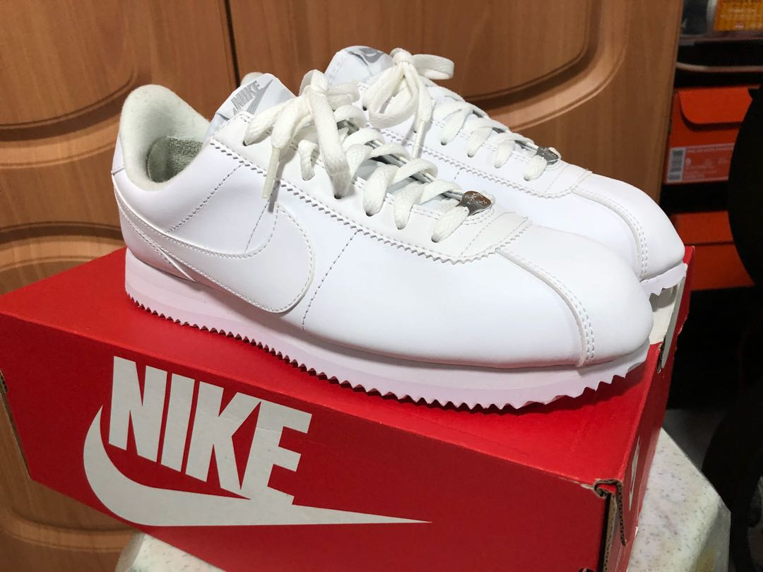 4ba1e3ddf90 Nike Cortez Basic Leather - Triple white