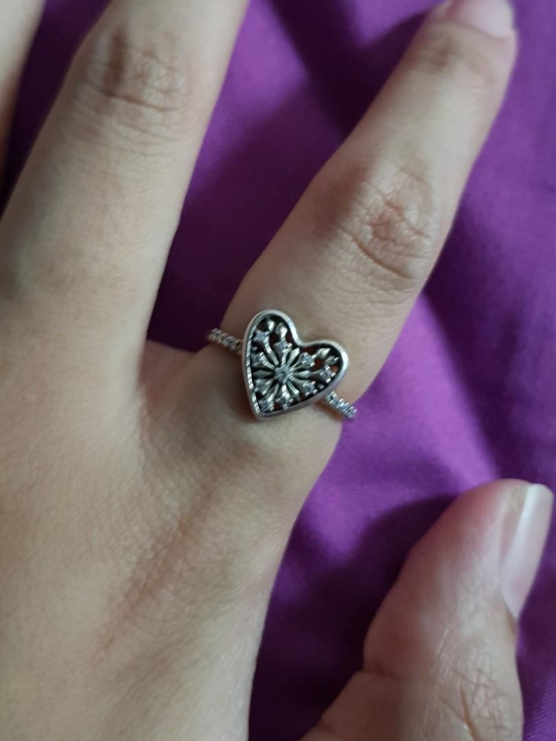 Pandora hearts of Winter ring size 52