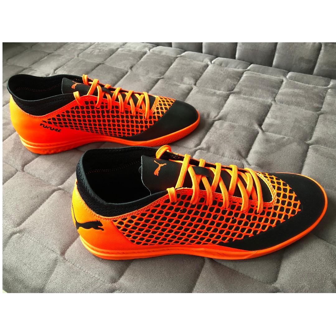adec0b1ba Puma Future 2.4 IT Indoor Football Boots - Black/Orange, Sports ...