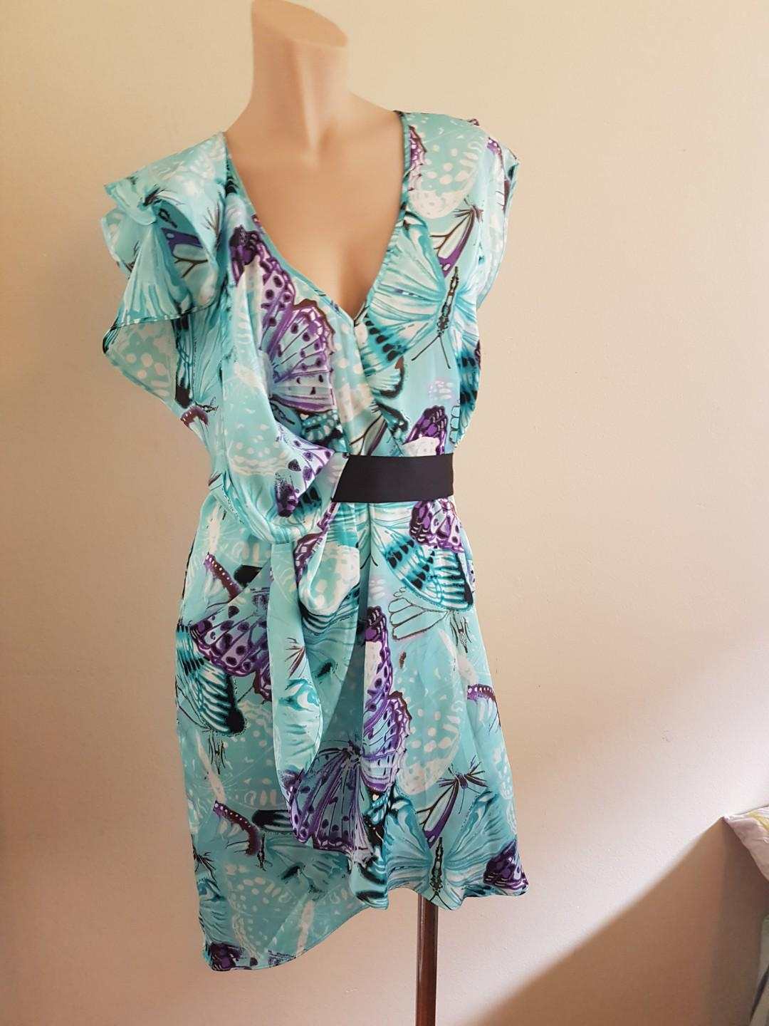 Wayne Cooper womens turquoise blue dress size 6-8 with belt.
