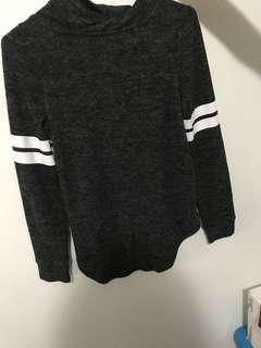 hoodie / sweater