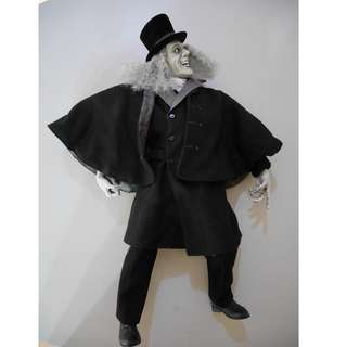 """Lon Chaney, Sr. in """"London After Midnight"""" Silver Screen Edition 18-Inch Polystone Figure"""