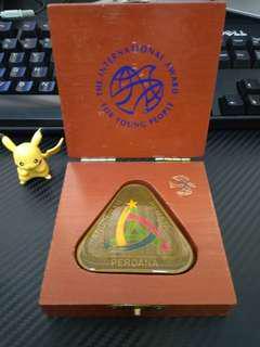 Pingat remaja (souvenir)