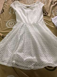(REPRICED)Iz byer white lace dress