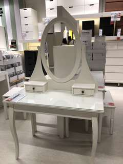 Hemnes table