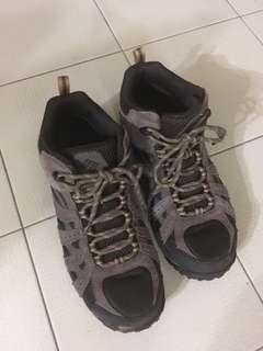 Columbia REDMOND™ Waterproof Mid hiking boot