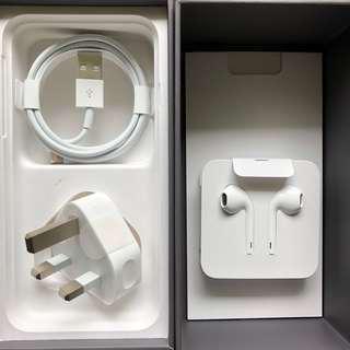 Apple iPhone 8 全新原跟機配件 (耳機、充電線、插頭)