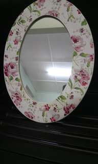 English Style Oval Mirror