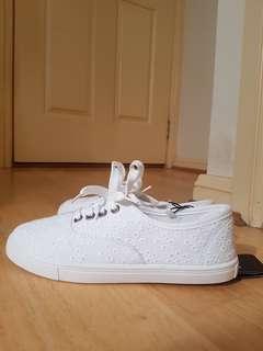 Rubi lace white sneakers