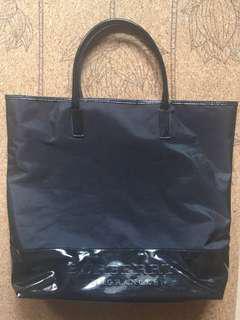 BURBERRY Fragrances Black Vernis Huge bag