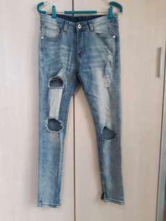 🚚 全新破壞風 拉鍊造型褲管牛仔長褲