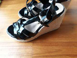 New Wedge sandals 35