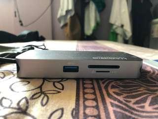 USB C hub multi port