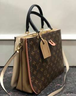 Used once only! perfect condition LV Millefeuille Monogram 33x32cm (mirror 1:1 with authentic)