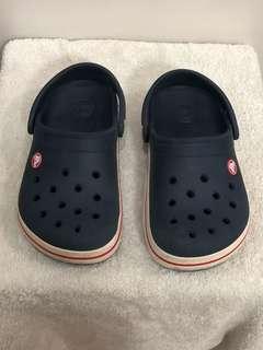 Crocs Kids Navy Blue J2 size