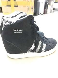 Adidas sport shoes size 36