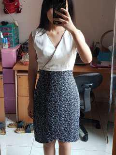 #MauIphoneX black and white dress