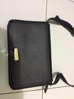 Miniso sling bag hitam