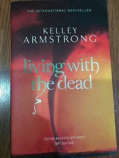 Living with the Dead (Kelly Armstrong)