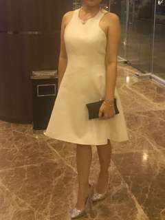 Dress putih tebal