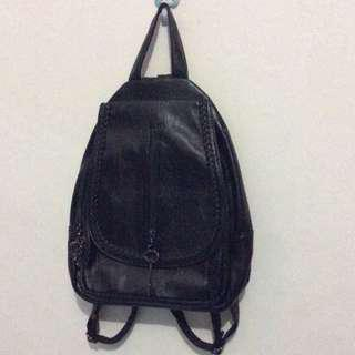 fashion backpack (leather)