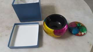 Lacquered container