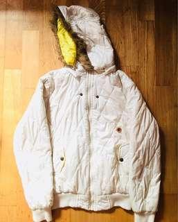 🚚 羽絨白色外套