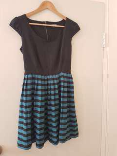 Bebop dress in green and black stripes size S