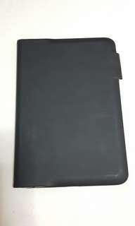 Logictech - Ultra thin keyboard folio - Carbon black / Velvet touch