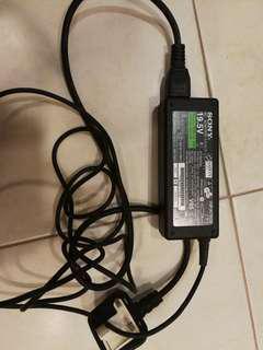 Sony laptop 19.5V AC adapter