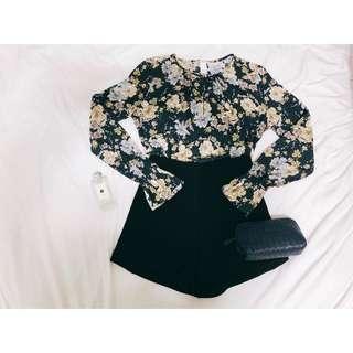 🚚 H&M深藍雪紡袖口伸縮碎花渡假風上衣