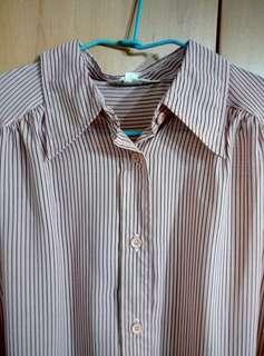 🚚 兩件免運。日本知性粉色線條無袖襯衫