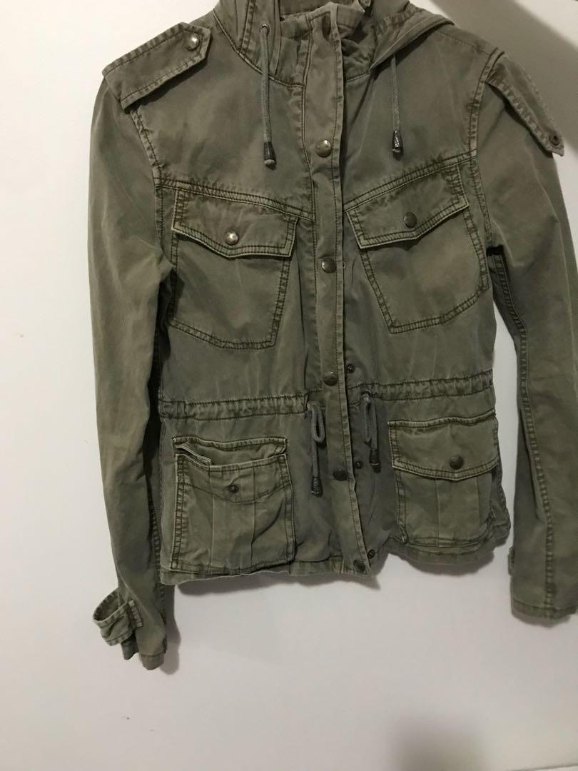 aritzia talula military green jacket