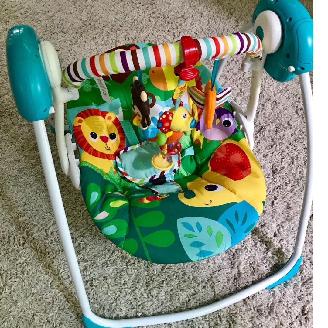 b9705d13d Baby Swing - Bright Starts Safari Surprise