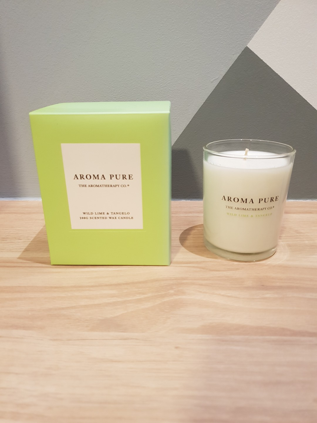 BNIB Aroma Pure 200G Scented Candle (Wild Lime & Tangelo)