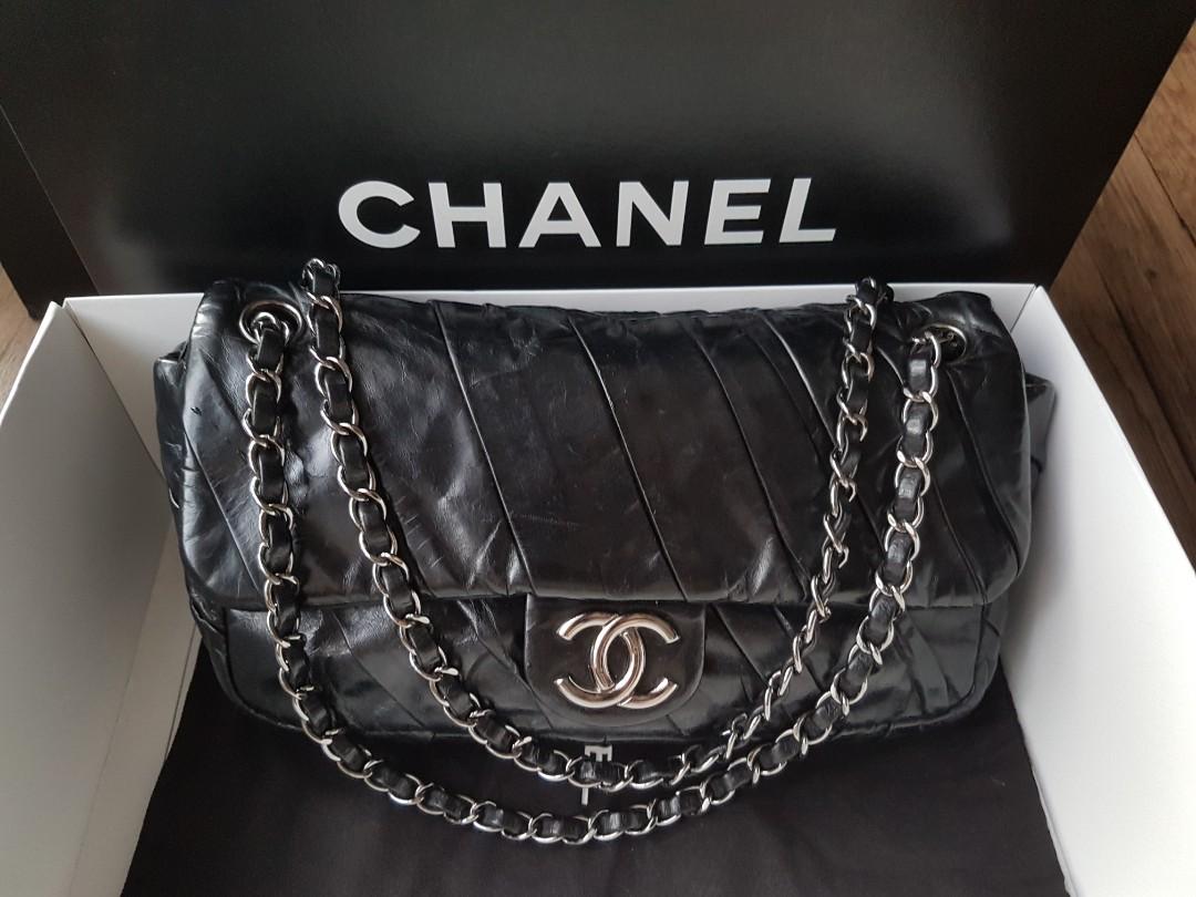 f95eb9aa33 Full Set LN Chanel Glazed Medium Flap, Luxury, Bags & Wallets ...