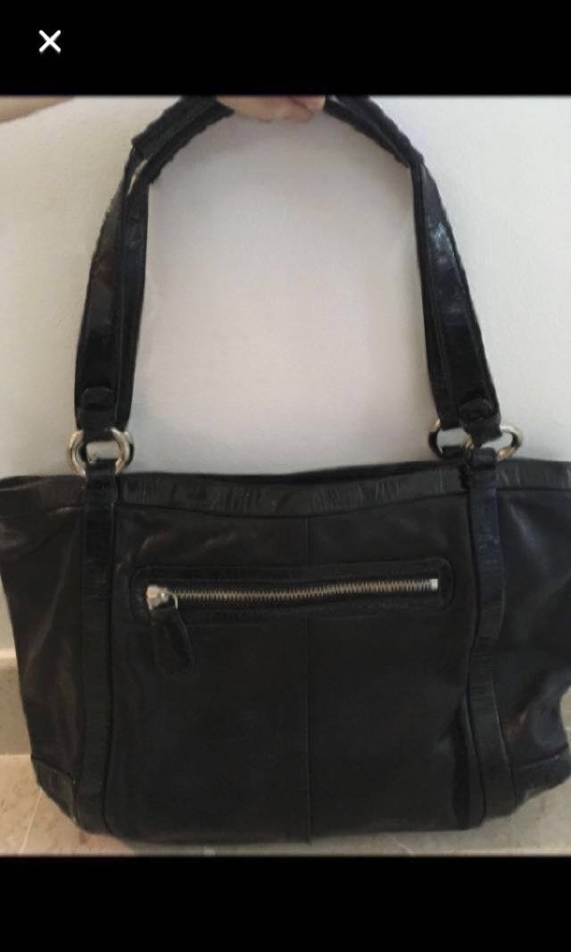 1d3cb43b515b Coach turnlock leather bag