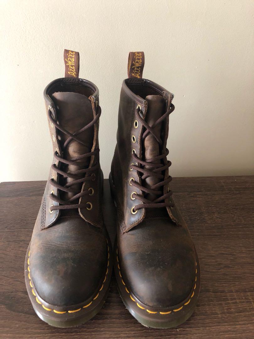 Dr Martens 8up boots