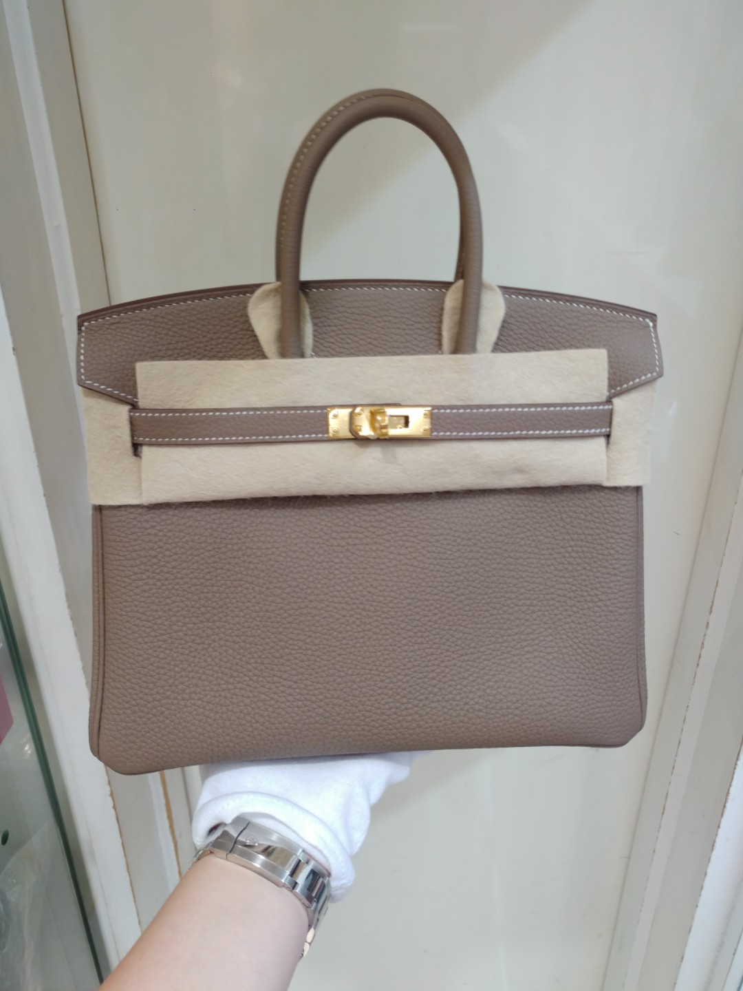 f1045ba9bb3 Hermes birkin 25 etoupe c stamp, Luxury, Bags & Wallets on Carousell