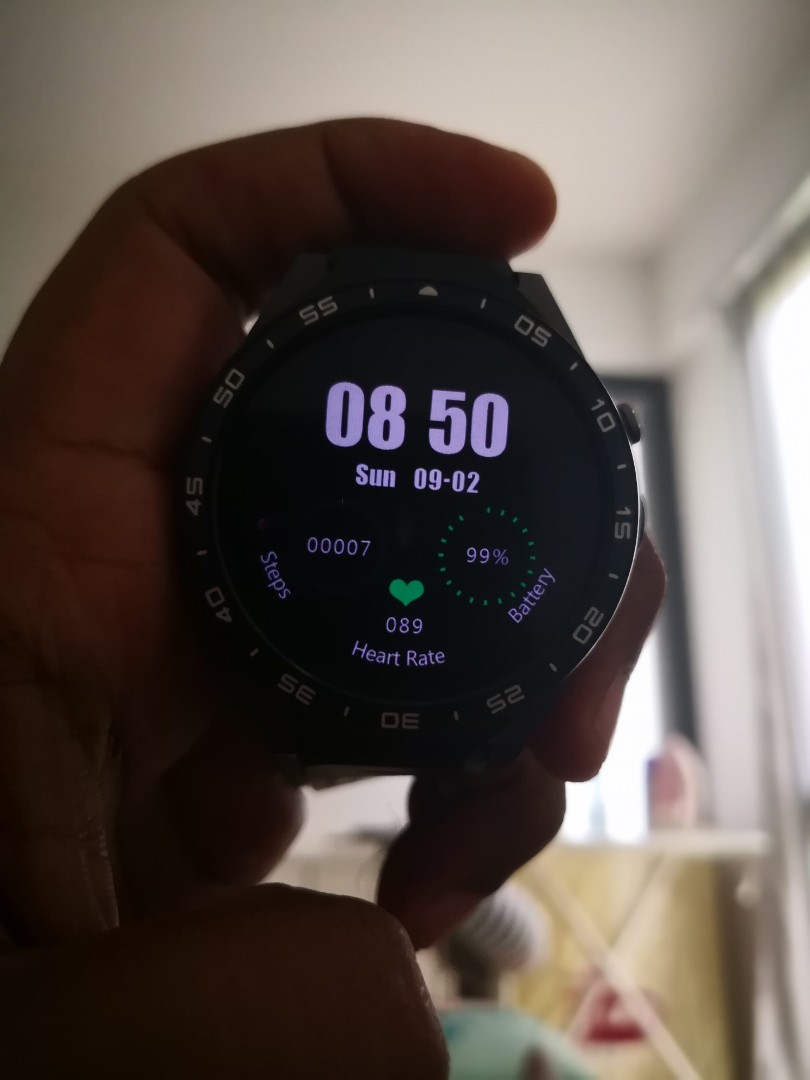 Kingwear Kw88 smartwatch with LTE