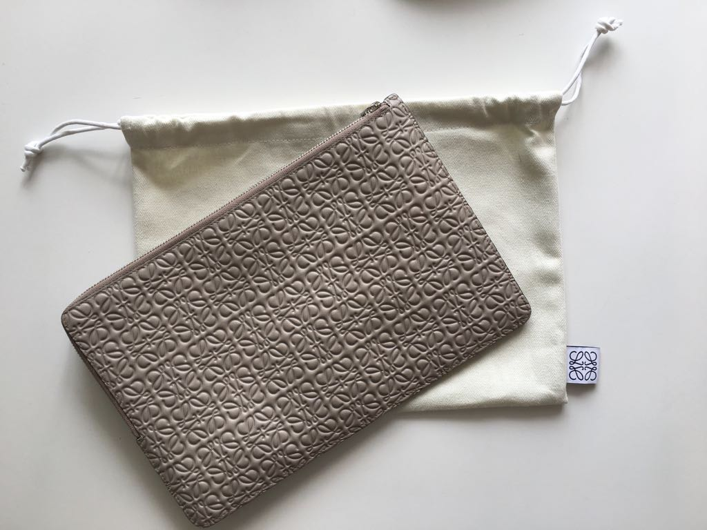 Loewe Pouch