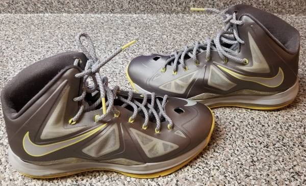 Nike Air Lebrons James X 10 Canary Yellow Diamond Sneakers Size 11 ... d1906d8ec