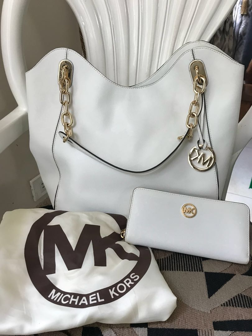 317dc1b6321f80 ... cheap slightly used authentic michael kors white large tote preloved  womens fashion bags wallets on carousell