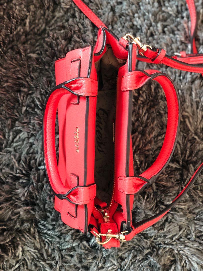 Small Guess handbag - almost new 3773d693000a2